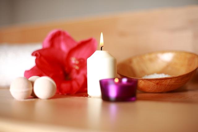 Sviečky, kvet, wellness.jpg