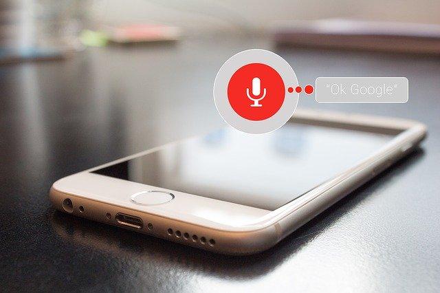 Mobil, funkcia ovládanie hlasom.jpg