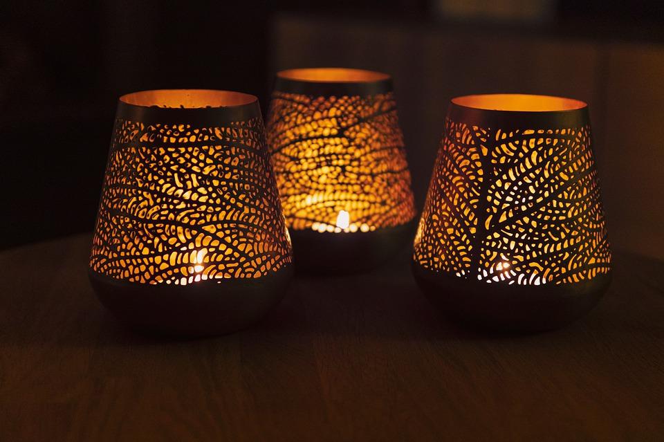 svietniky, sviečky